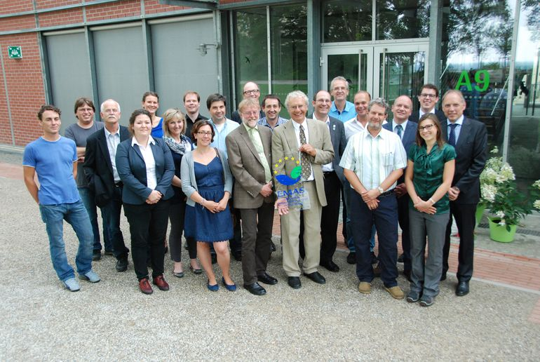 The university's EMAS team together with Dr Herbert Vogler from the Chamber of Commerce and Industry for Munich and Upper Bavaria and Claus Kumutat, president of the Bavarian State Office for the Environment, pictured at the presentation of the certificat