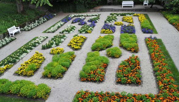 The Parterre Garden | Summer plants